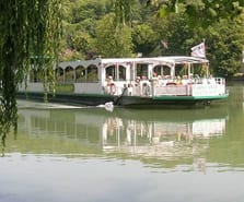 Déjeuner à bord sur la Marne