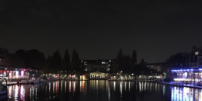 vue Paris la nuit en bateau