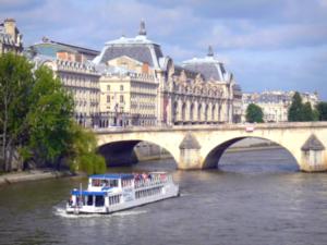 Bateau Canotier Paris Canal en Seine
