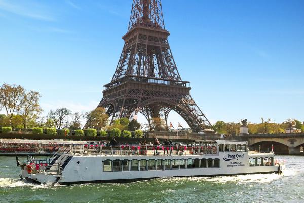 bateau le canotier tour Eiffel